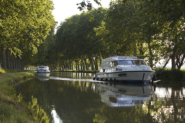 Le Boat on the Canal du Midi France