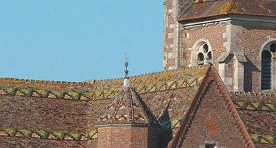 Toit en tuiles vernissées en Bourgogne