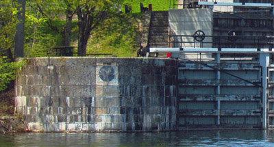 Vue de Jones Falls sur le Canal Rideau