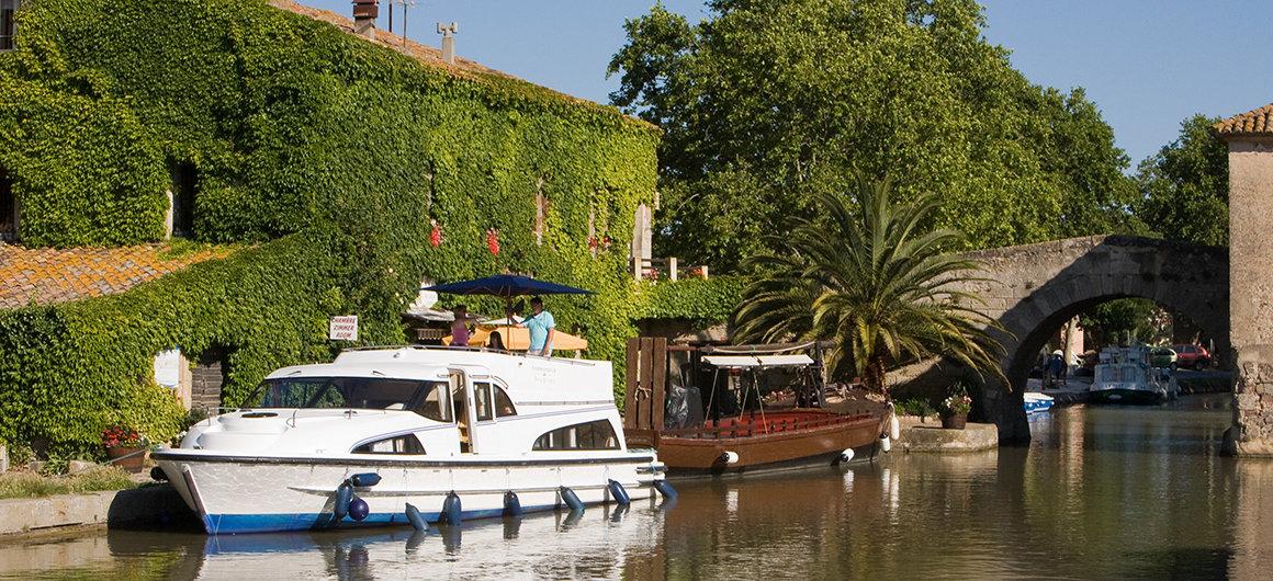Bateau Le Boat au Somail, Canal du Midi