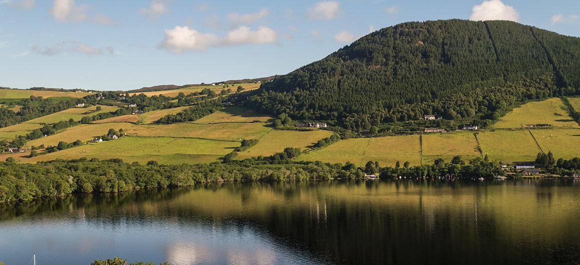Montagnes et Loch Ness, Écosse