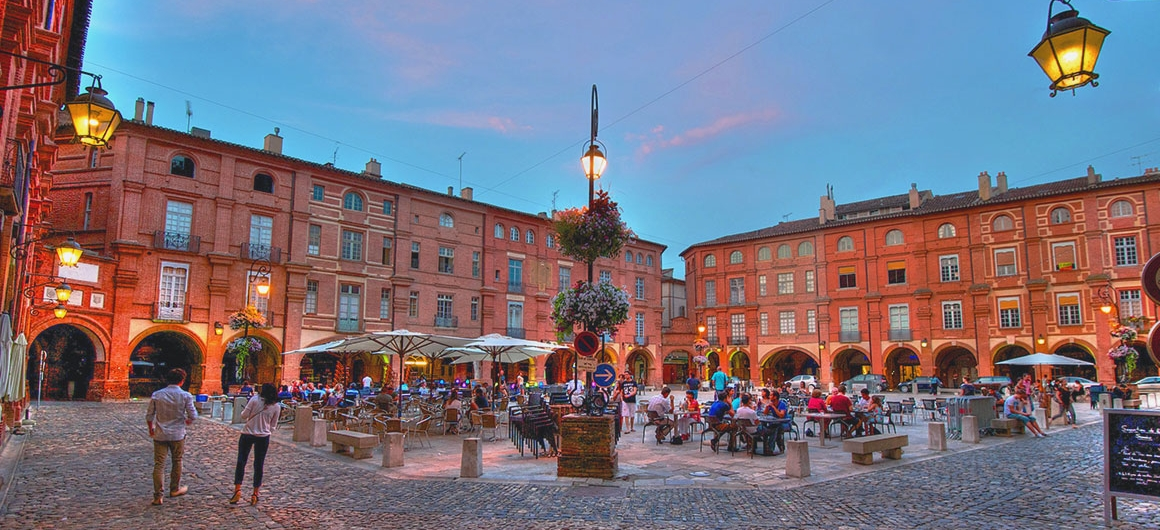 Place Nationale, Montauban, Aquitaine