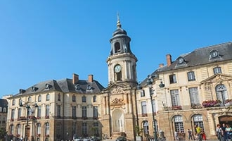 La place du centre de Rennes en Bretagne