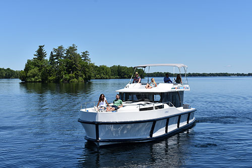 Watertrail- Le Boat Luxury Houseboat rentals on the Rideau Canal in Ontario